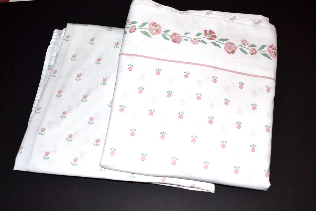 1980s Westpoint Stevens Rose Pink Floral Amp White Twin