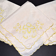 Set of 3 Yellow Embroidery & Lace Dinner Napkins