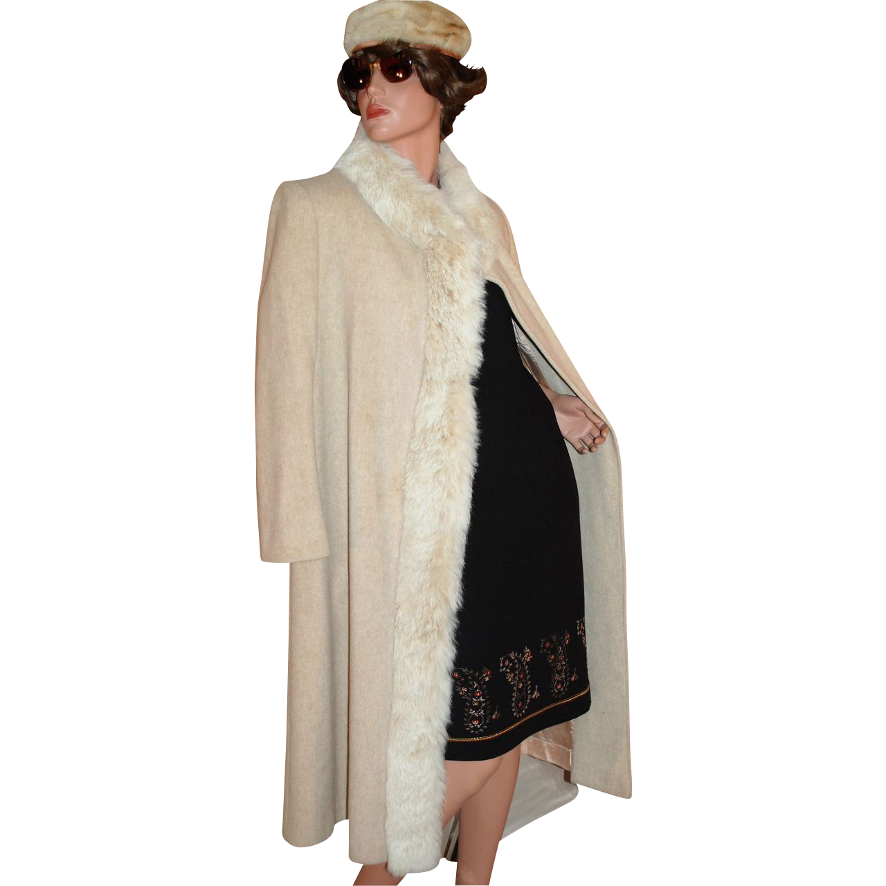 1970s ILGWU Prime Source ~ Cream Wool & Rabbit Fur Coat