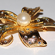 Huge Faux Pearl & Rhinestone Flower Brooch/Pin