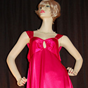 1980s Barbizon ~ Hot Pink Keyhole Nightgown
