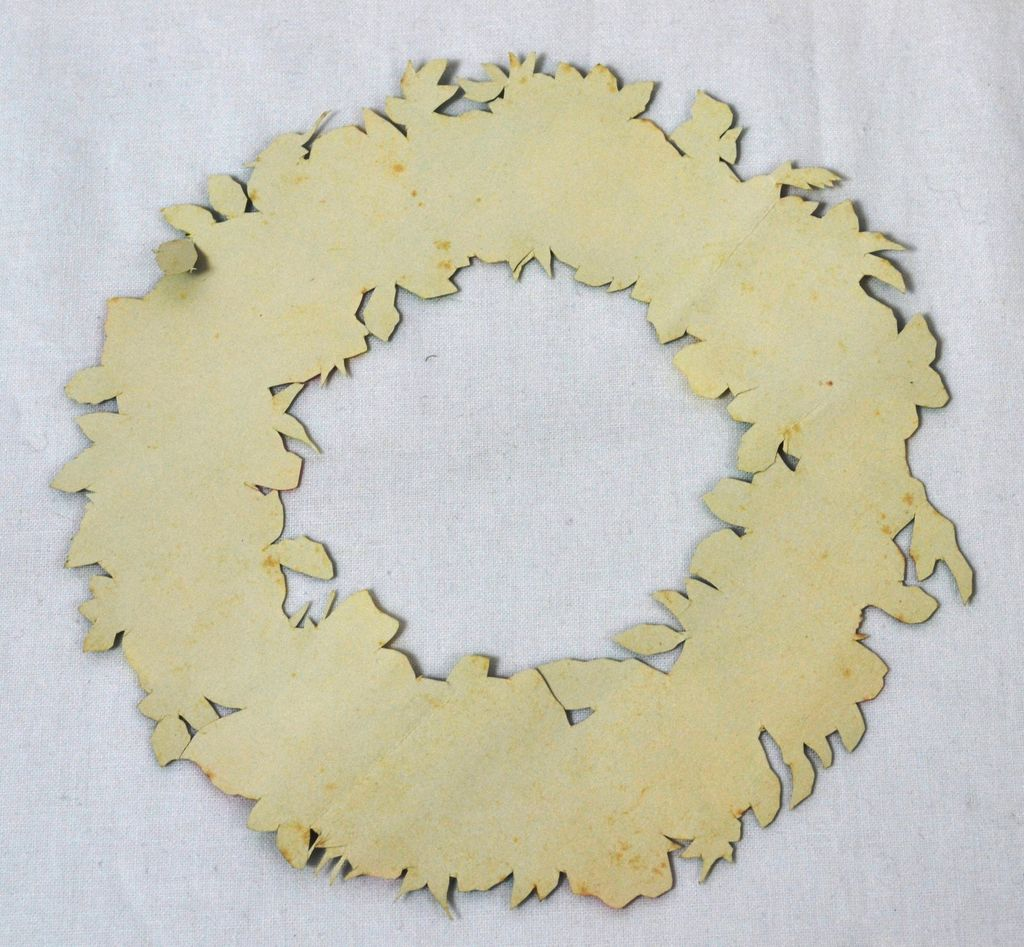 Large Glossy Floral Wreath Die-Cut Scrap from kitschandcouture on Ruby ...