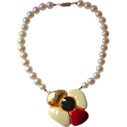 1960s Bold Enamel Flower & Faux White Pearl Necklace