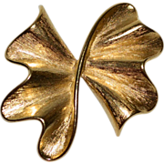 Large Ruffled Bow Goldtone Brooch/Pin