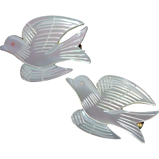 Pair of White Carved Mother-of-Pearl Dove Bird Scatter Pins