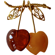 Amber Guild 12K GF Butterscotch & Baltic Amber Pair of Apples Brooch/Pin