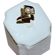 10K Gold Art Deco White Pearl Unusual Fan Shape Ring