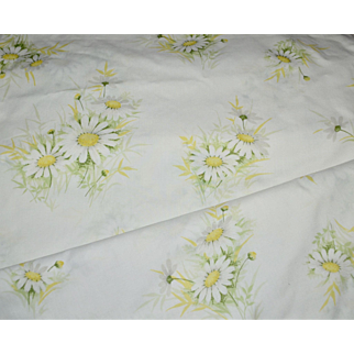 Wondercale by Springmaid Daisy Flower White & Yellow Double Flat Sheet