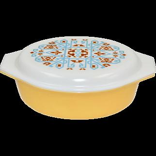 "1970s Pyrex ""Navajo"" Promotional Item 2.5 QT Yellow Gold Casserole Dish w/ White Glass Lid"
