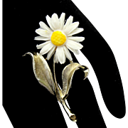 Vintage Sarah Coventry Yellow and White Daisy Flower Brooch