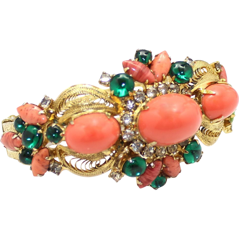 Vintage Juliana Book Piece Coral High Domed Green Glass Cabochon Clamper Bracelet