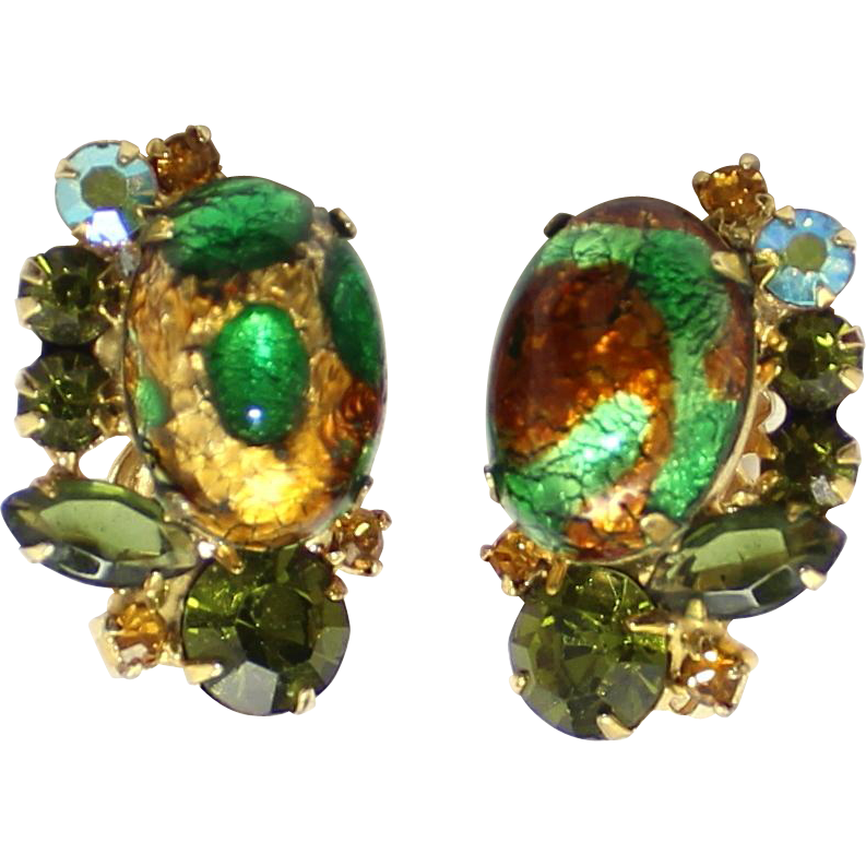 Vintage Juliana (D&E) Book Piece Emerald Gold Fluss Cabochon & Olivine Rhinestone Earrings