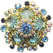 Vintage Juliana (D&E) Aqua Blue Rhinestone, Dogtooth Setting Brooch