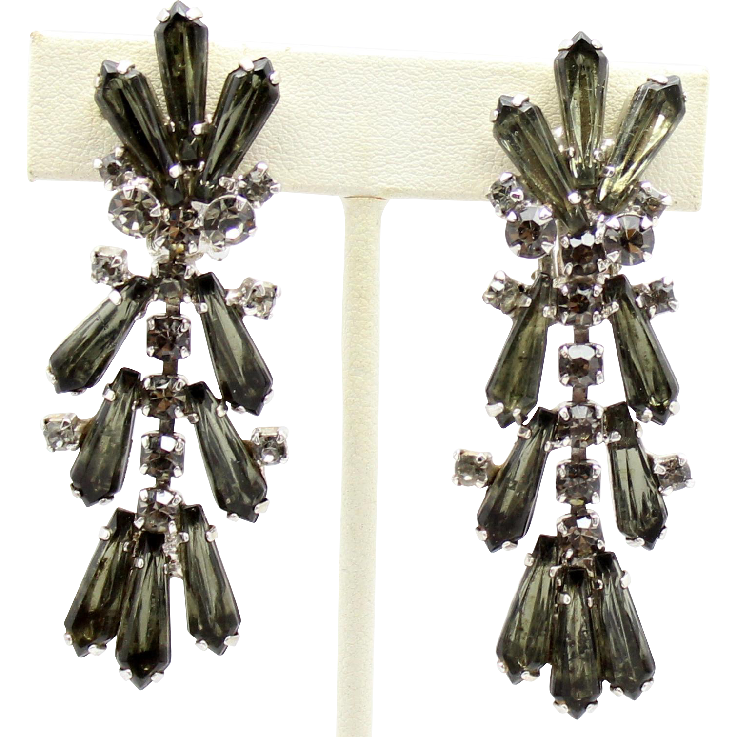 Vintage Juliana (D&E) Book Piece Grey (Black Diamond) Spear Shaped Rhinestone Dangle Earrings