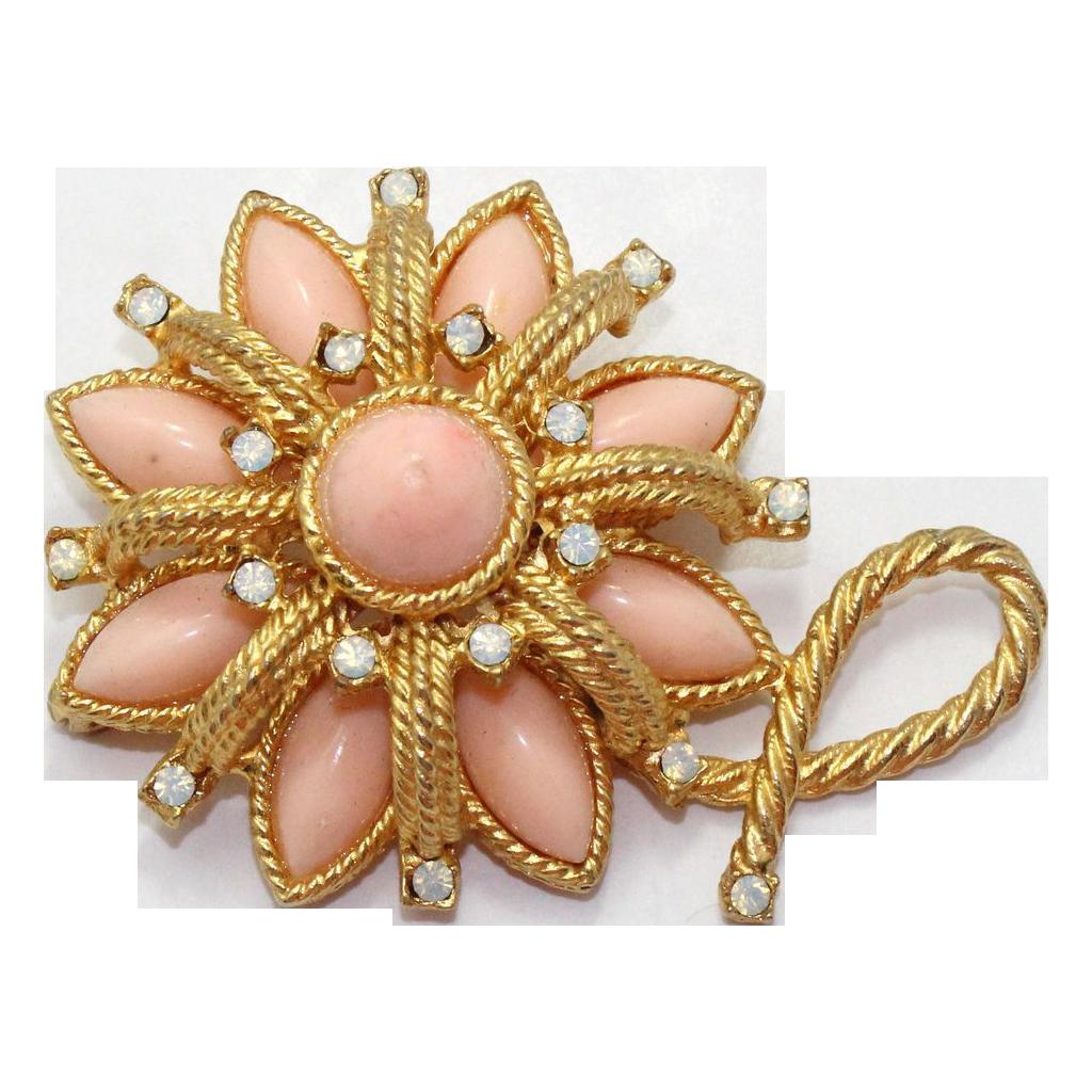 Vintage Juliana (D&E) Peach Cabochons & Opal Glass Rhinestone Brooch