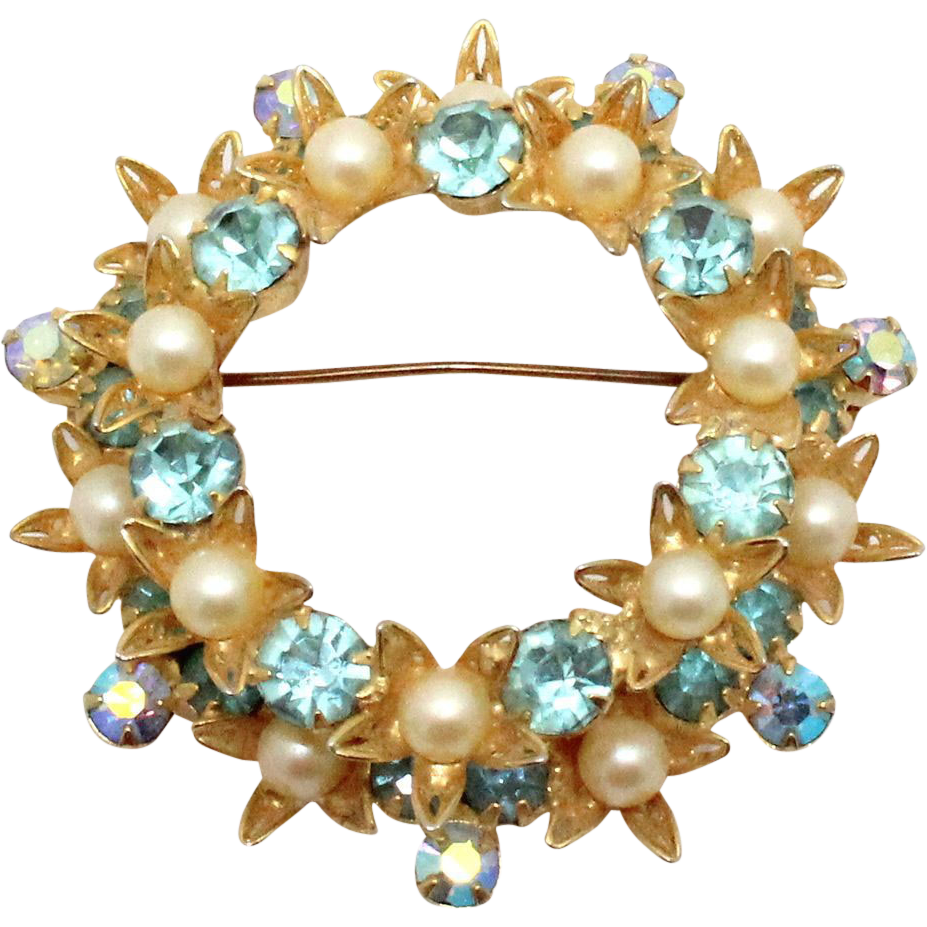 Vintage Juliana (D&E) Book Piece Faux Pearl, Aqua Rhinestone Filigree Flower Wreath Brooch