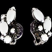 Vintage Juliana White Milk Glass Rhinestone and 10 Petal Daisy Earrings
