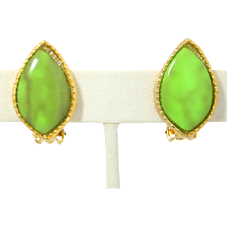 Vintage Juliana Book Piece Marbled Lime Green Heat Formed Plastic Cabochon Earrings