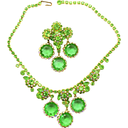 Vintage Juliana Book Piece Peridot Green Framed Disk Necklace Brooch Demi Parure