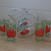 1950s Round Glass Tip Pitcher, Juice Size, HP Tomatoes, 4 Glasses
