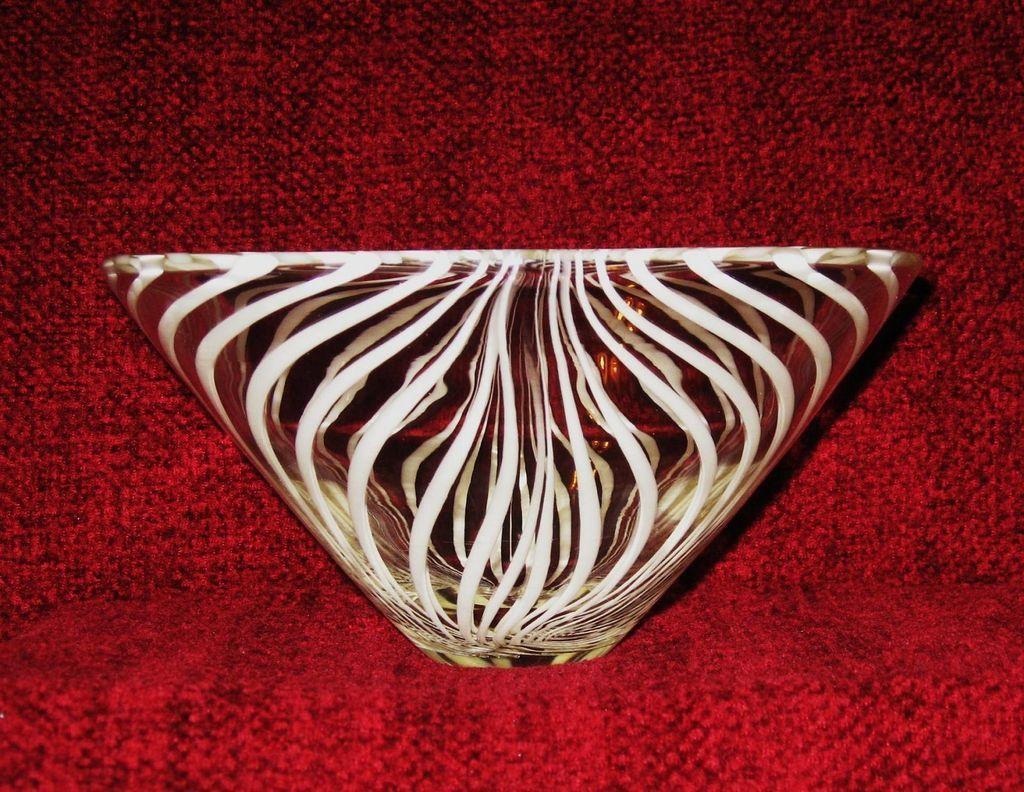 Kumela of Finland Hand Blown Art Glass Bowl, Scandinavian Design