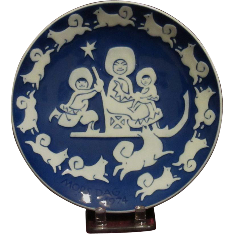 Royal Copenhagen Eskimo Children Mother's Day Plate, 1974