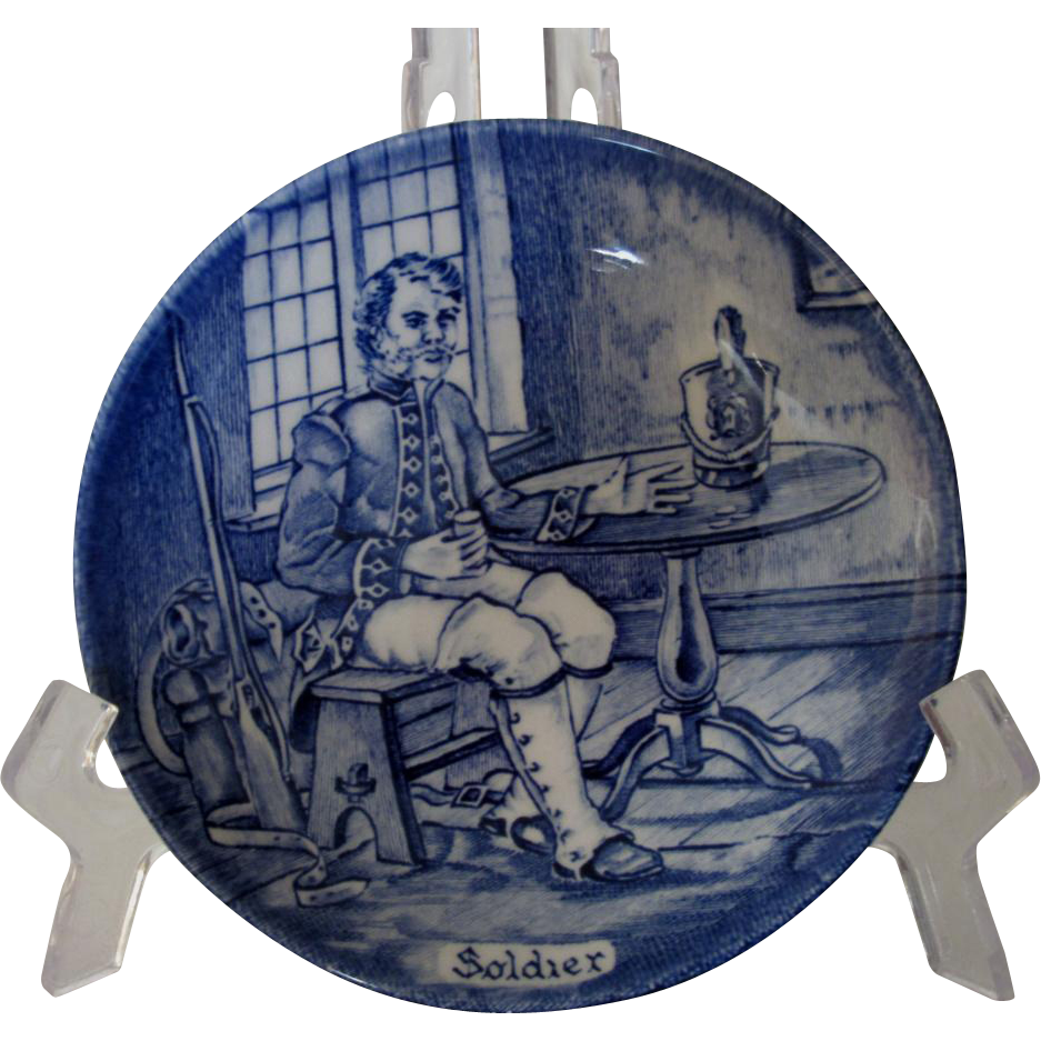 Enoch Wedgwood, Tunstall, Staffordshire, Character Plate of Soldier