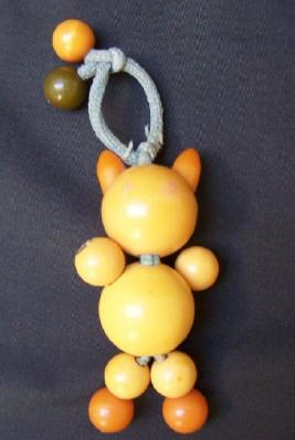 Bakelite Butterscotch Crib Toy  Beaded Cat 409 Tested Tykie Toy