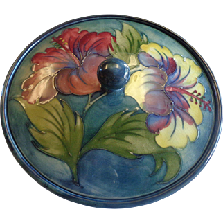 Moorcroft Lidded Bowl Hibiscus Warrant Labels