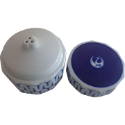 JAL Japan Airlines Blue White Porcelain Shaker Hoya