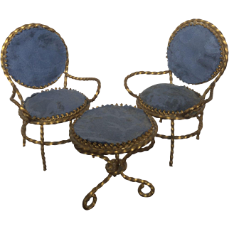 Miniature armchairs and table, Huret-style