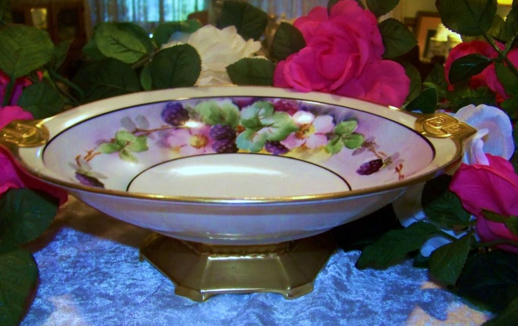 "Outstanding Vintage MZ Austria 1900's Hand Painted ""Blackberry"" Pedestal Center Fruit Bowl"