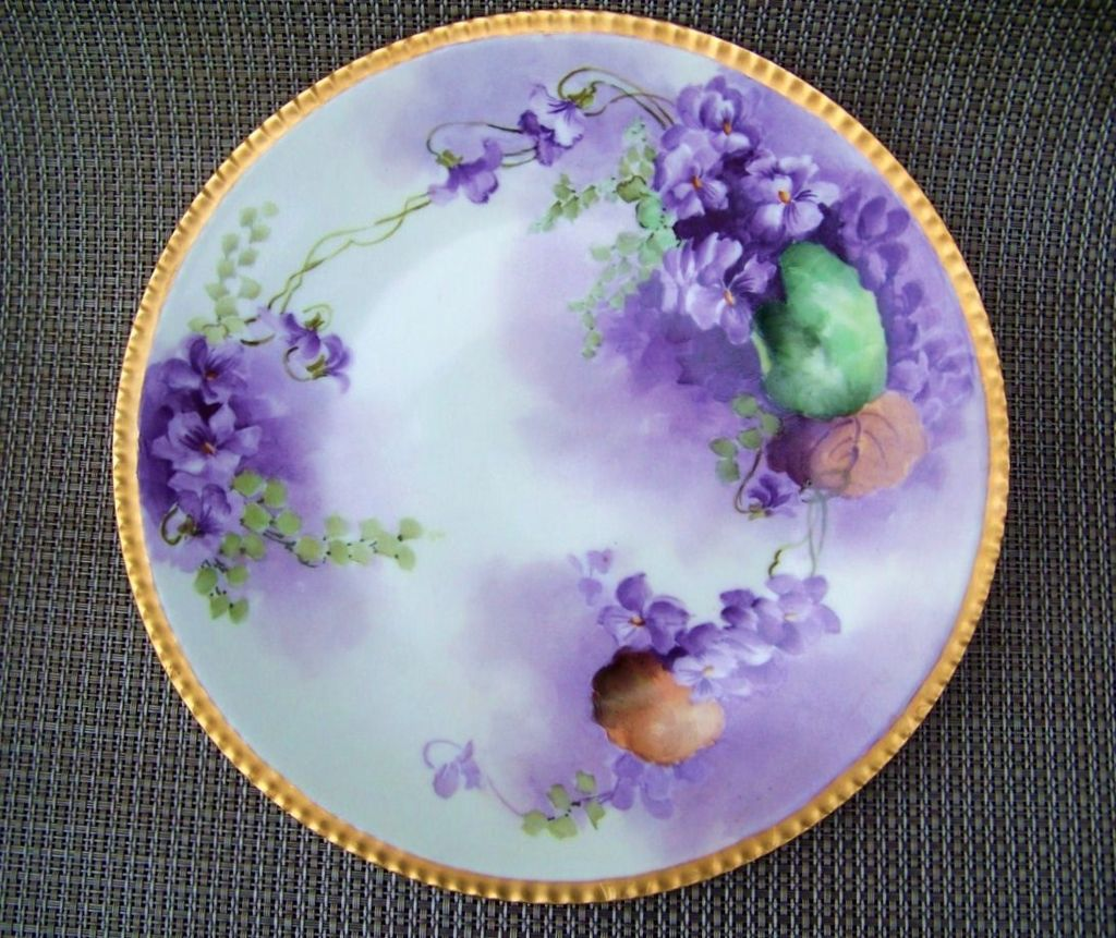 "Exceptional Bavaria 1900's Hand Painted ""Violets"" 8-5/8"" Plate"