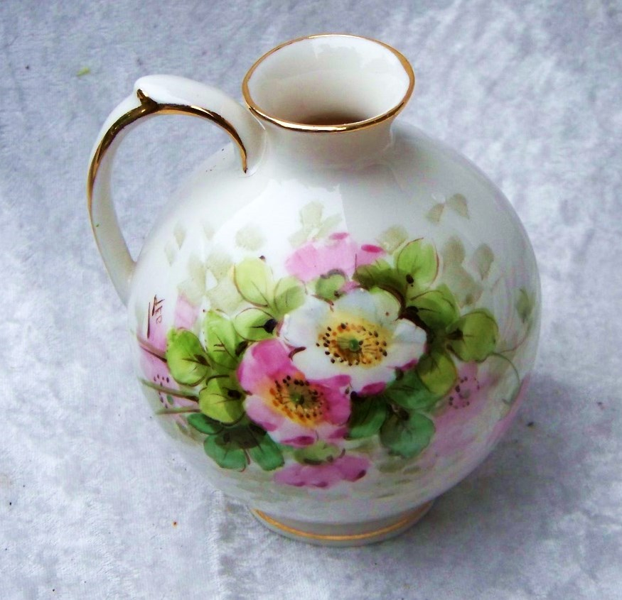 "Attractive Vintage 1920-30's Weisley China Co. Hand Painted ""Wild Pink & White Roses"" Bulbous 5"" Ewer by the Artist, ""Leo"""