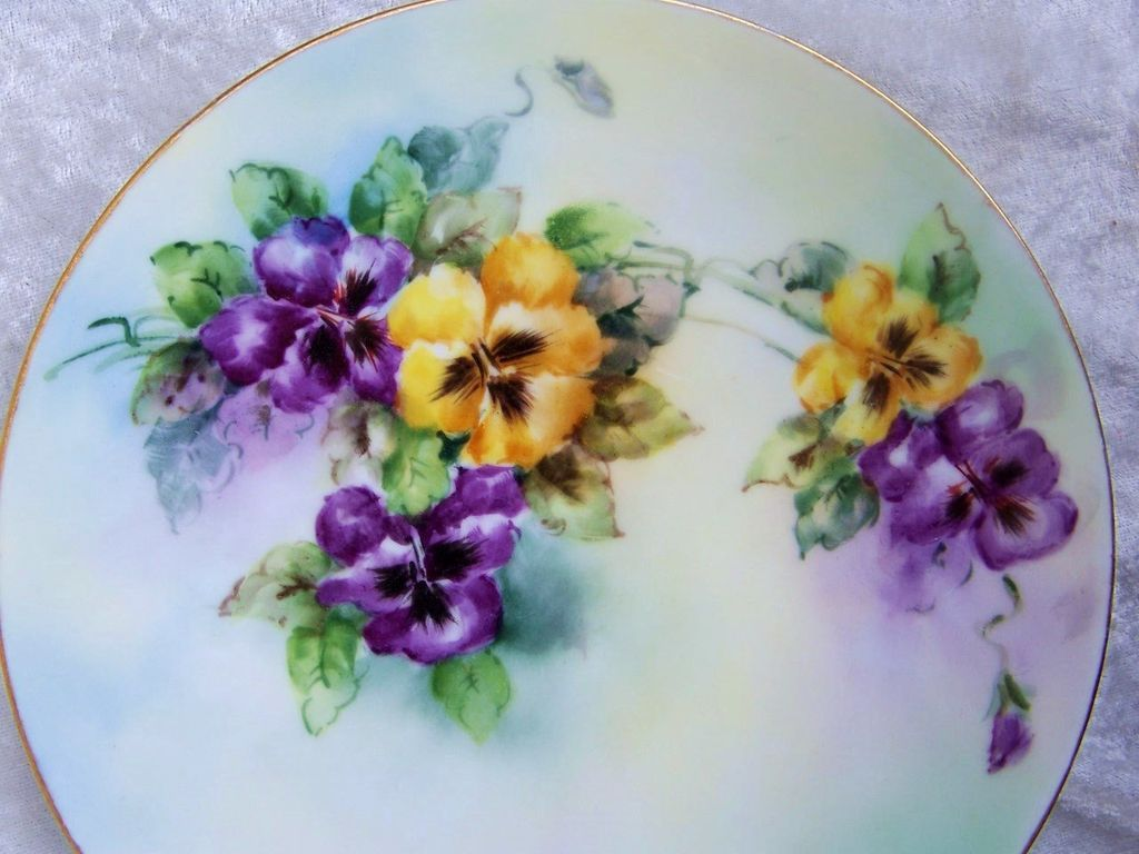 "Attractive Vintage 1915 Bavaria Hand Painted Vibrant ""Purple & Yellow Gold Pansy"" 7-3/4"" by the Poole Studio and Artist, ""M.W. Poole"""