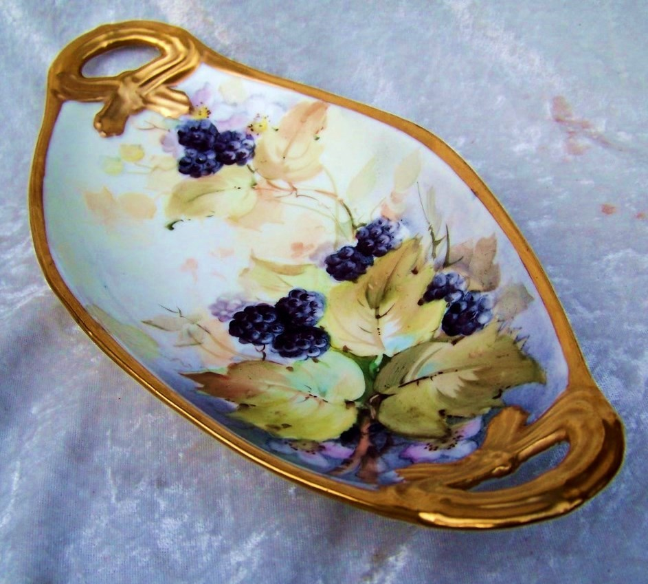 """Attractive Vintage Bavaria 1900's Hand Painted Lifelike """"Blackberries"""" 10-1/2"""" Tray by the Artist, """"A.L."""""""