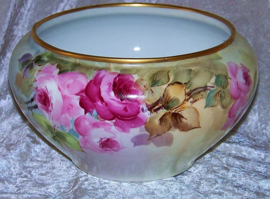 "Gorgeous Vintage Bavaria 1915 Hand Painted Deep ""Red & Pink Rose"" 9"" x 5-1/4"" Jardiniere by the Listed Artist, ""Kenwood"""
