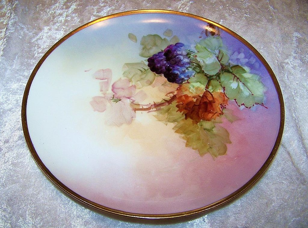 "Haviland France Vintage 1900's Hand Painted ""Blackberry"" 8-7/8"" Plate"