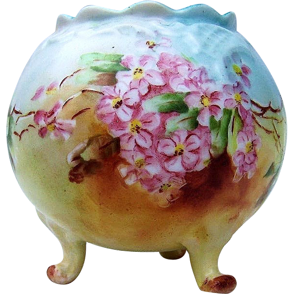 "Attractive Vienna Austria 1906 Hand Painted ""Pink Violets"" 3-Footed Vase by the Early Chicago Artist, ""M.H. Dorothy"""