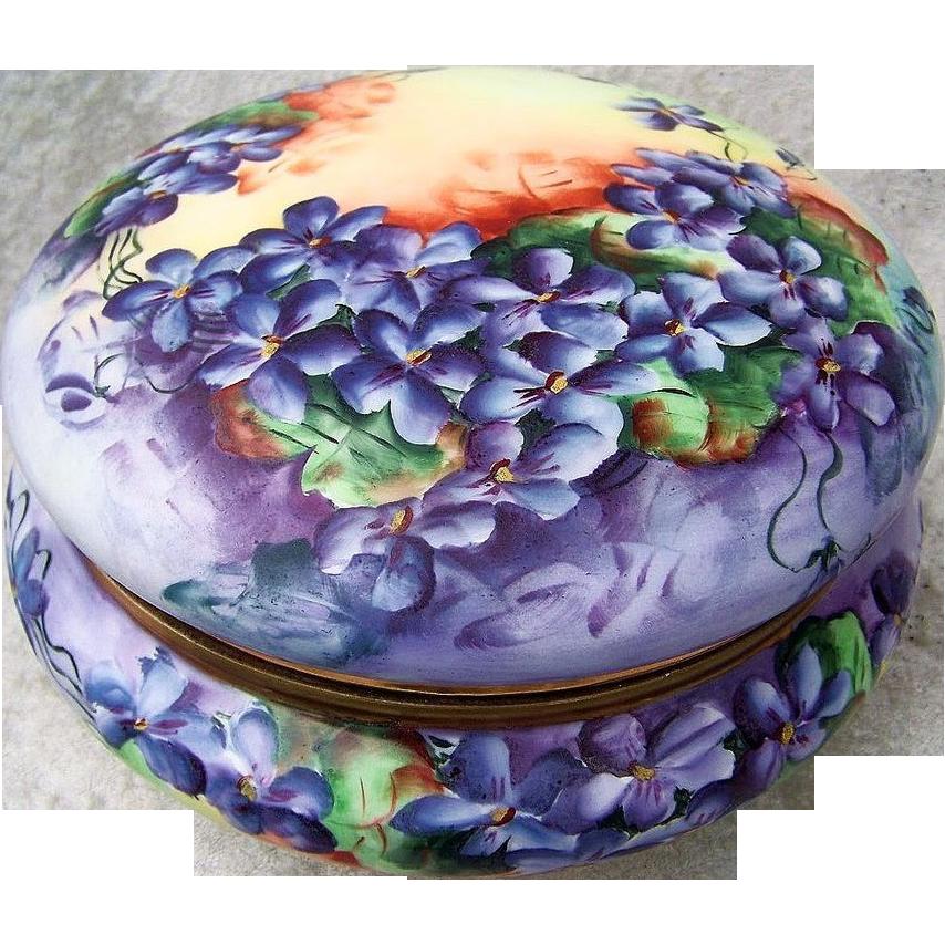 """Large & Exquisite AK France Limoges 8"""" Vintage Hand Painted Vibrant """"Deep Purple Violets"""" Dresser Box Casket"""