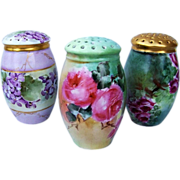 "Vibrant & Attractive Bavaria 1900's Hand Painted ""Deep Pink Roses"" 4-3/4"" Sugar Shaker"
