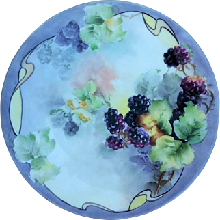 """Attractive Limoges France 1910 Hand Painted """"Blackberry"""" 9-5/8"""" Fruit Plate by the Aritst, """"S. Green"""""""