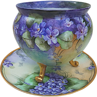 """Outstanding Bavaria 1900's Hand Painted """"Violets"""" 3-Footed Floral Vase"""