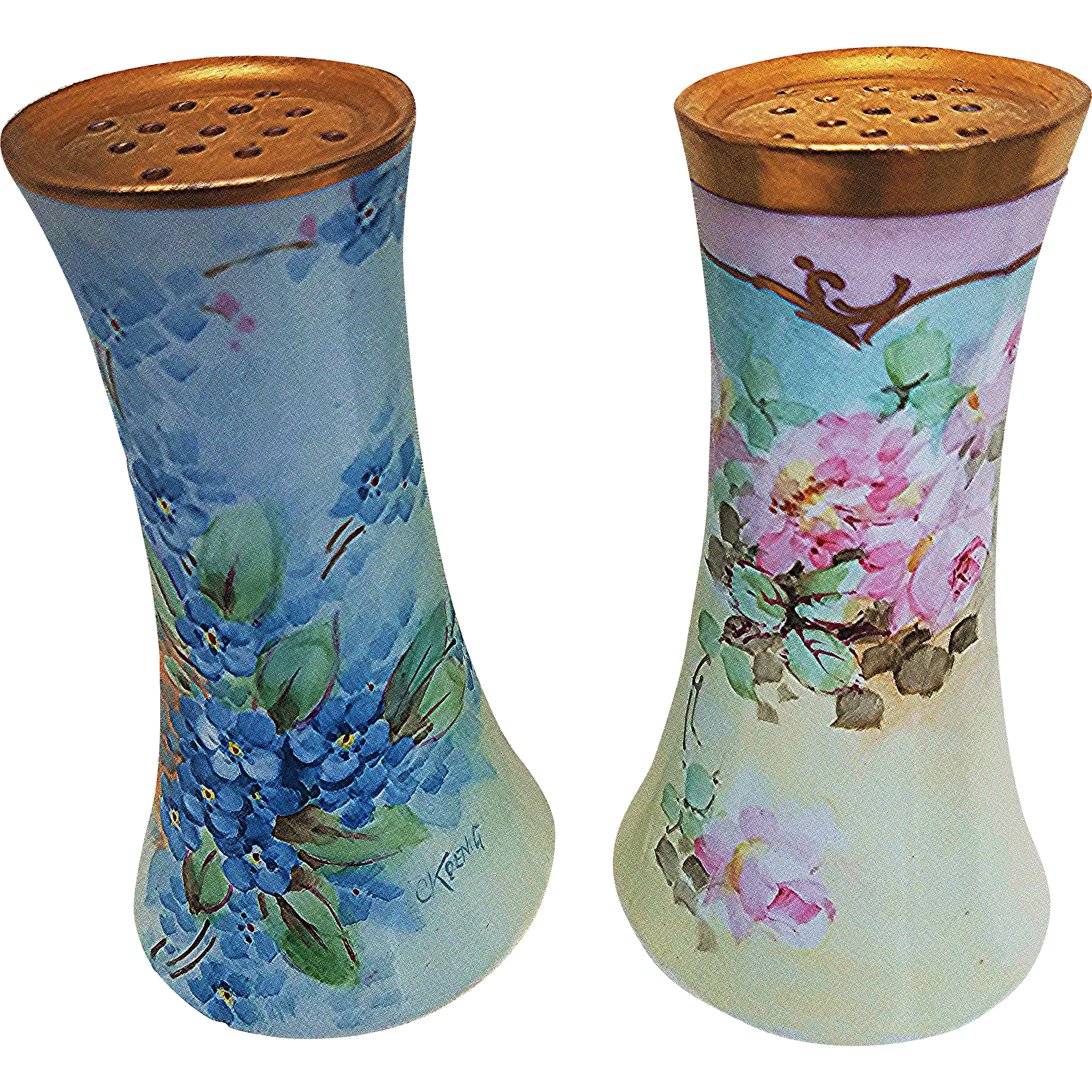"Attractive Vintage O.E.& G Royal Austria 1900's Hand Painted ""Petite Pink Roses"" Floral Sugar Shaker"
