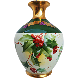 """Scare Vintage 1900's Chicago Decorator's """"Christmas Holly & Berry"""" Floral Vase by Pickard Artist, """"Curtis Marker"""""""