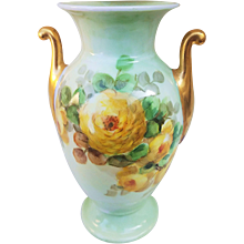 """Attractive Thomas Bavaria 1900's hand Painted """"Yellow Roses"""" Floral Vase"""