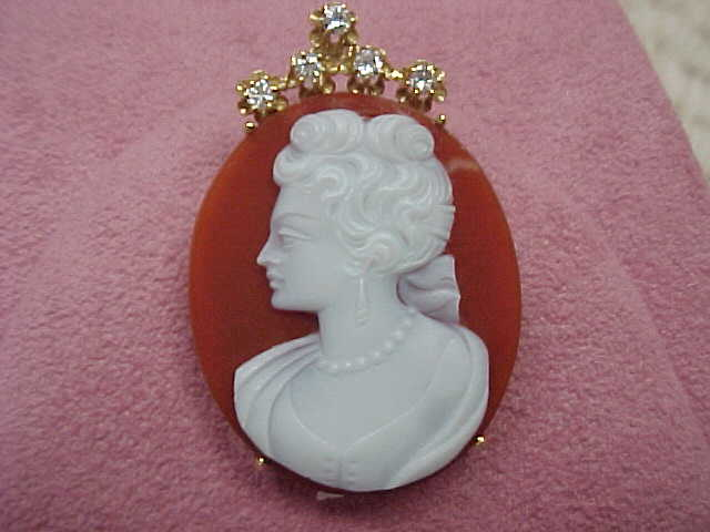Cameo, Agate, Beautiful Lady,  14KG, brooch/pendant, with Diamonds
