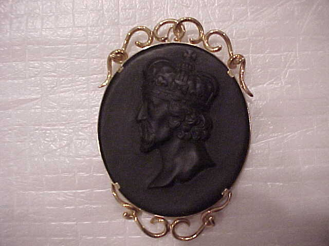 Unique and Rare - 1850's Wedgwood Cameo: James I - 14KG -