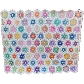 Vintage 1930's Grandmothers Flower Garden Quilt 74 x 91