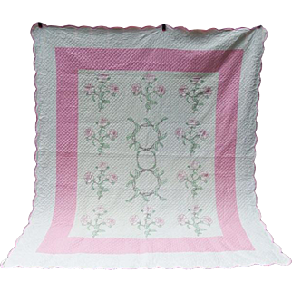 Vintage Hand Sewn Embroidered Roses Quilt BEAUTIFUL Crisp Clean Never Used